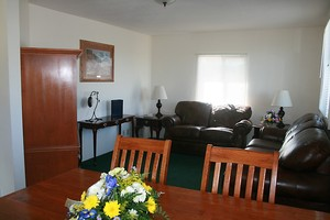2 BEDROOM QUEEN SUITE Picture 1